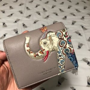 Tory burch elephant wallet